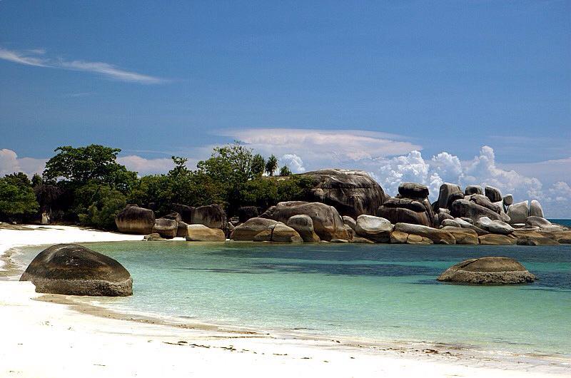Pesona Wisata Belitung Melalui Keindahan Pantai Punai