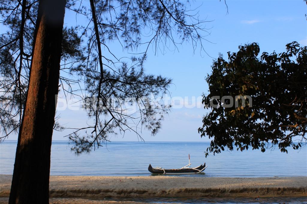 Pantai Tanjung Pendam – Tujuan Wisata Air di Belitung