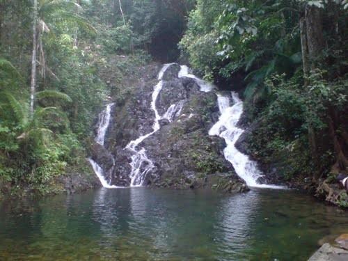 Nikmatnya Berlibur di Air Terjun Gurok Beraye