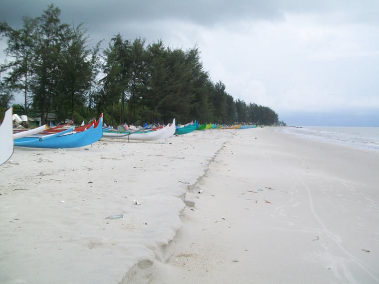 Pantai Nyiur Melambai- Tempat Wisata Murah di Belitung