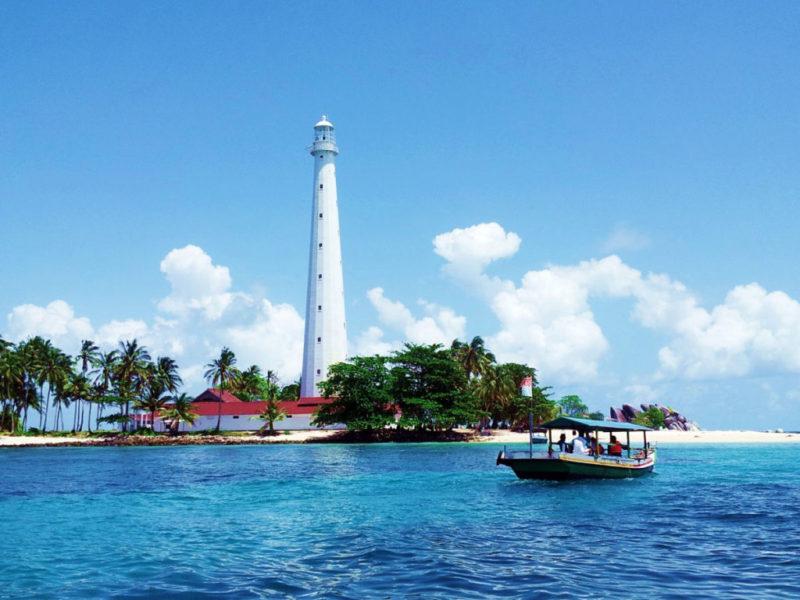 Obyek Wisata Murah di Belitung – Pulau Lengkuas