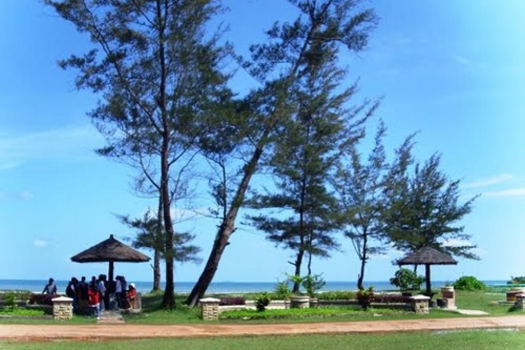 Pantai Nyiur Melambai
